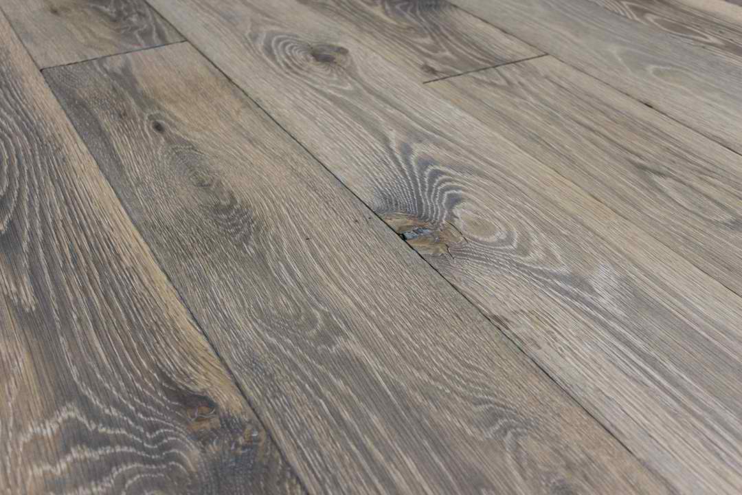 Wide Plank Oak Flooring
